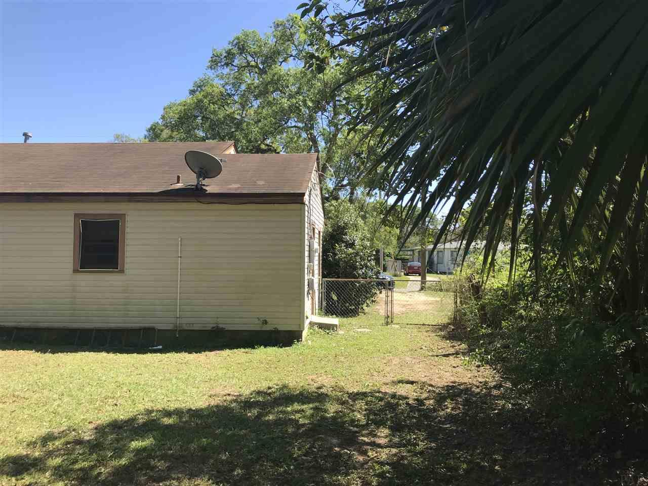 4912 Ravenswood Ave, Pensacola, FL 32506
