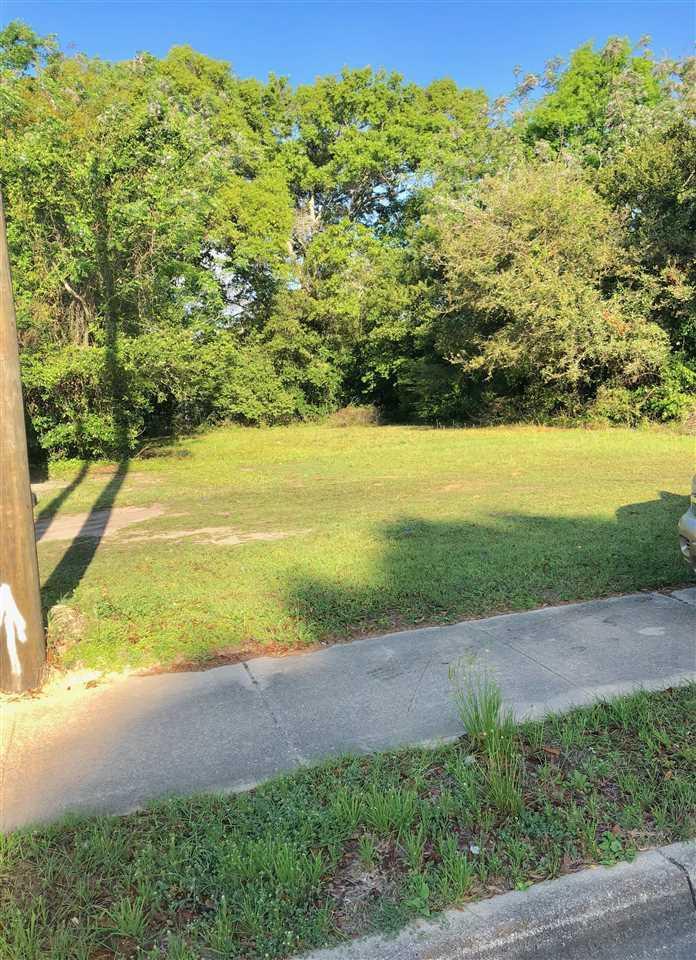 1800 N W St, Pensacola, FL 32505