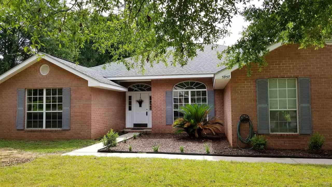 5957 Ridgeview Dr, Milton, FL 32570