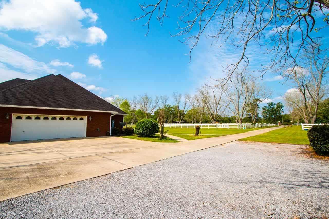 8010 Beulah Rd, Pensacola, FL 32526