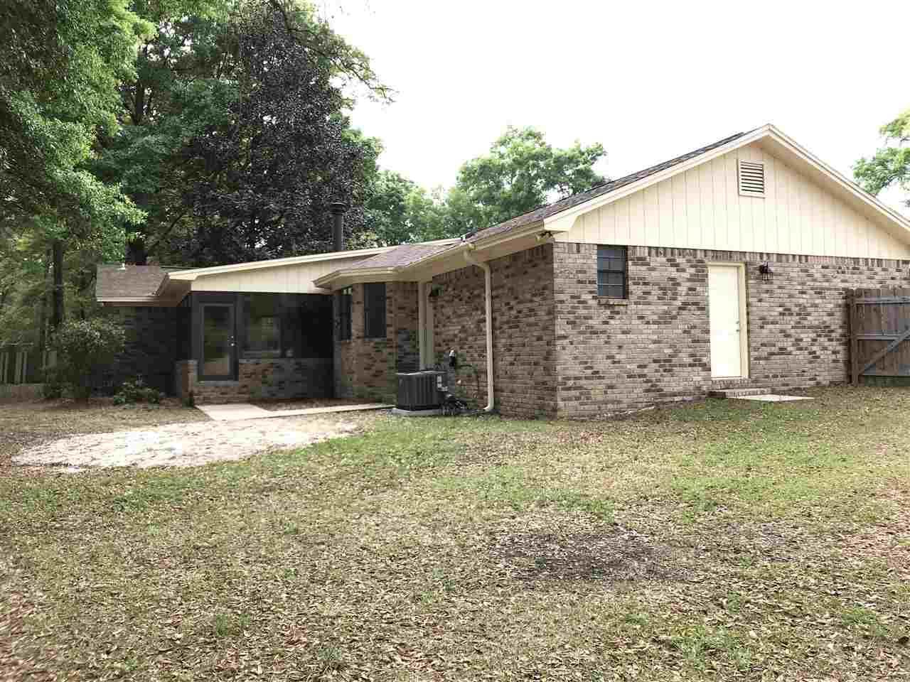 9756 Huntsman Path, Pensacola, FL 32514