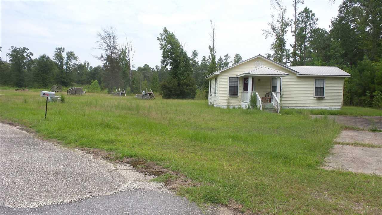 105 Ranch Rd, Century, FL 32535