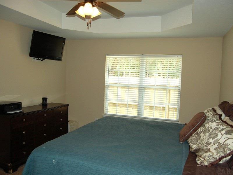 8905 Clearbrook Dr, Milton, FL 32583