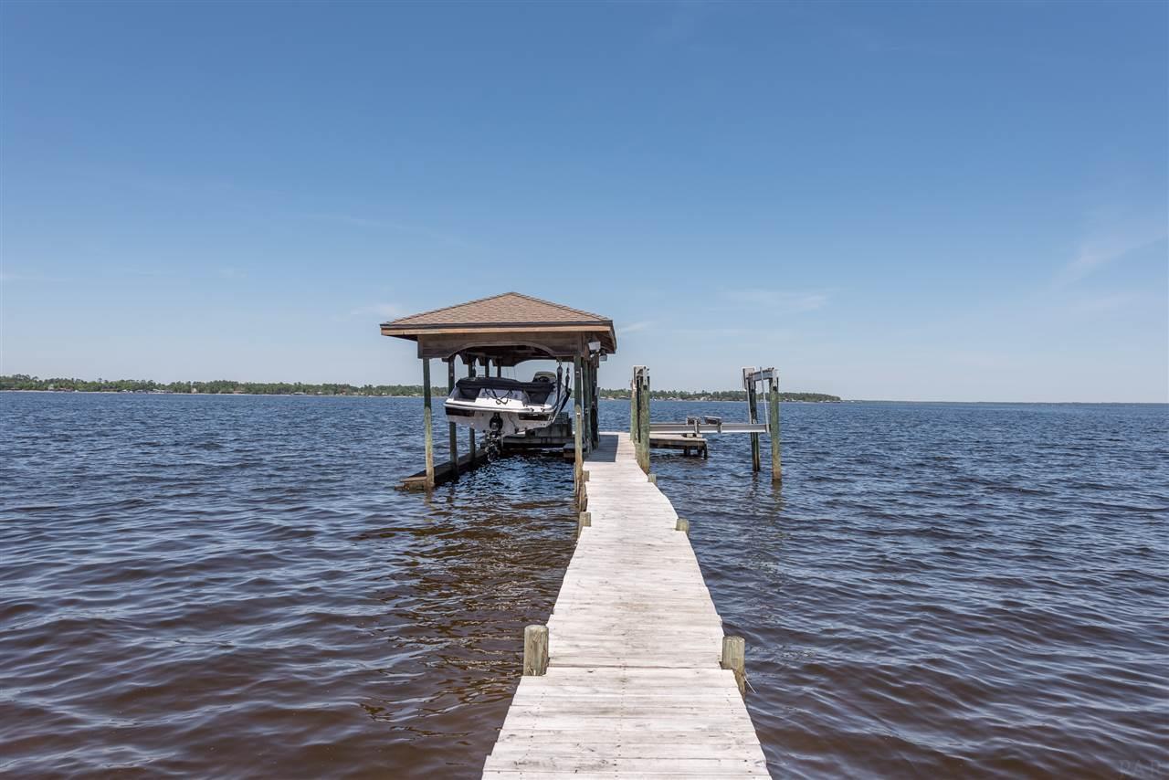 940 Paradise Beach Cir, Pensacola, FL 32506