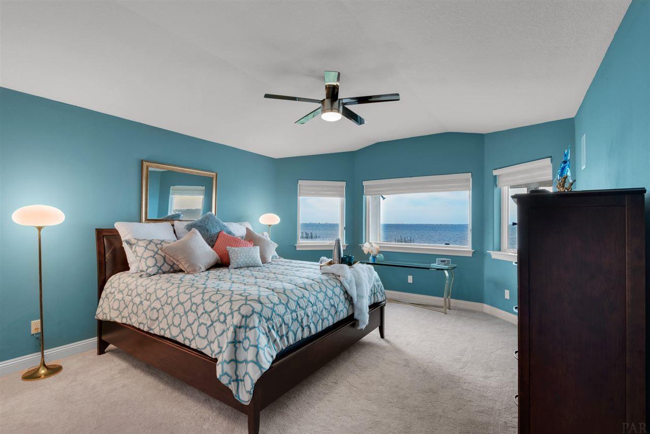 1622 Winding Shore Dr, Gulf Breeze, FL 32563