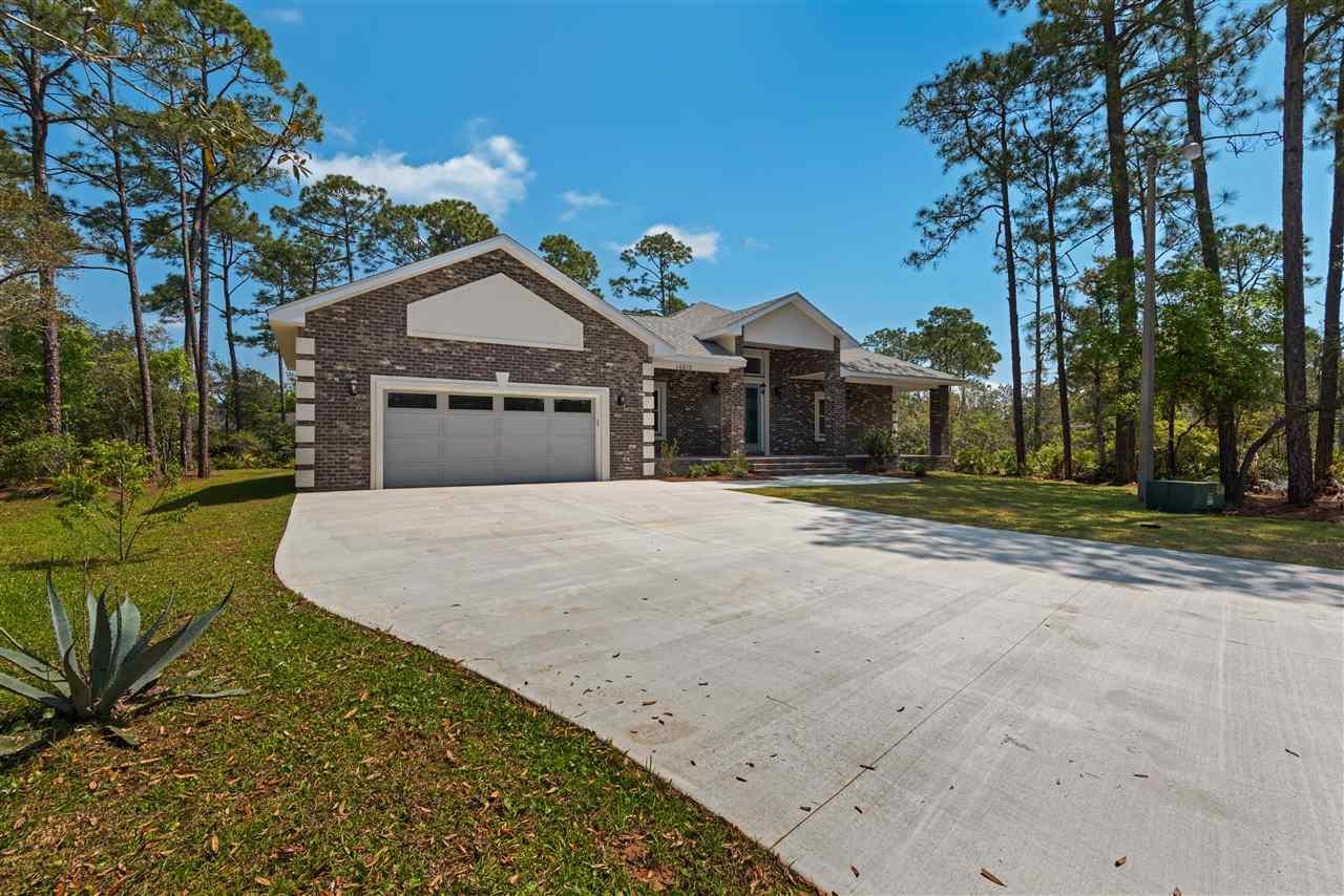 16610 Blue Heron Cir, Pensacola, FL 32507
