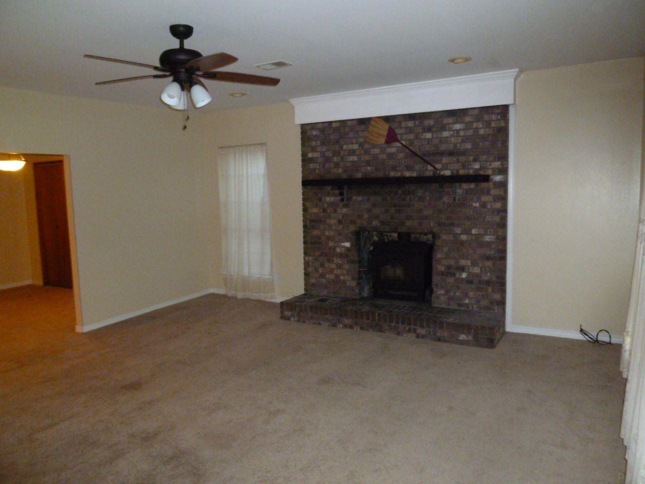 1650 Dogtrack Rd, Pensacola, FL 32506