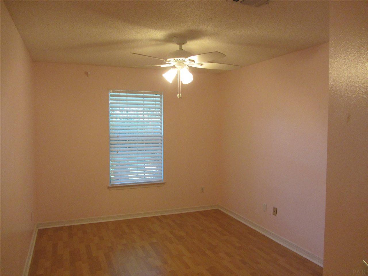 3925 Holleyberry Ln, Milton, FL 32583