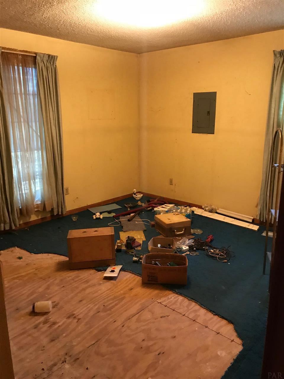 6455 Pinhook Rd, Jay, FL 32565