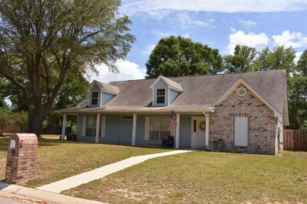 1705 Donegal Dr, Cantonment, FL 32533