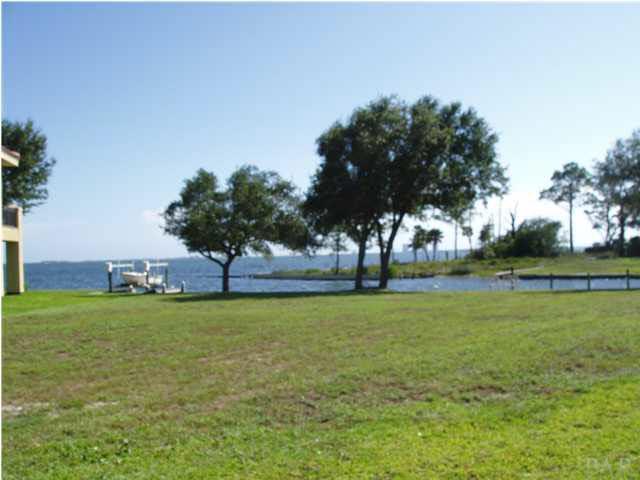 4541 Sabine Dr, Gulf Breeze, FL 32563