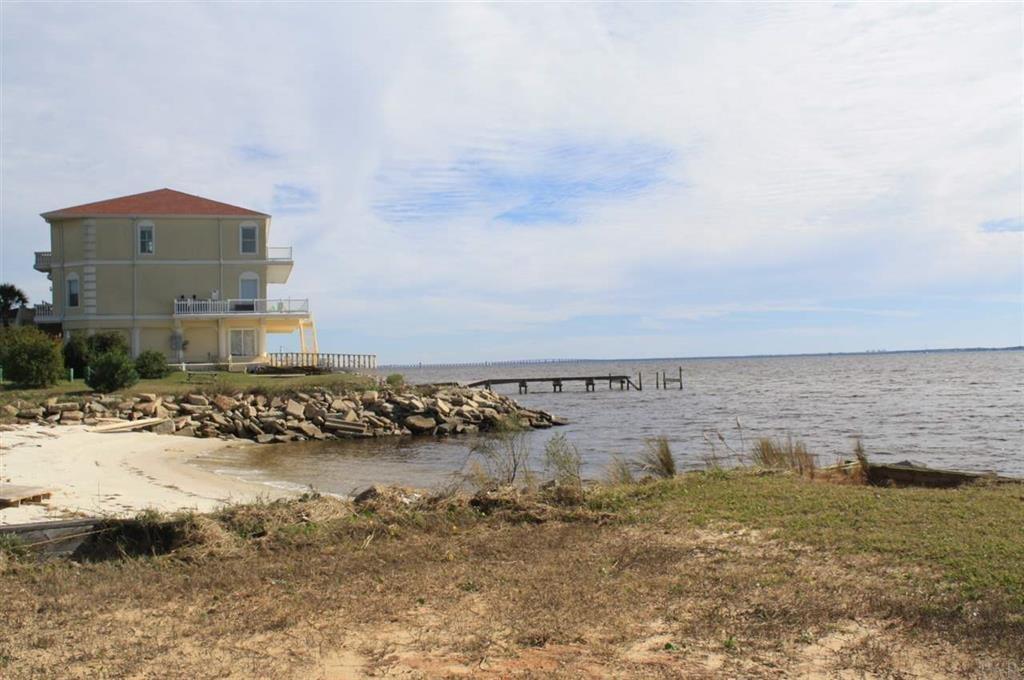 119 And 121 Bayshore Dr, Pensacola, FL 32507