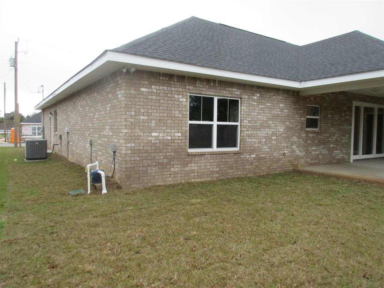 5468 Dallas Ct, Gulf Breeze, FL 32563