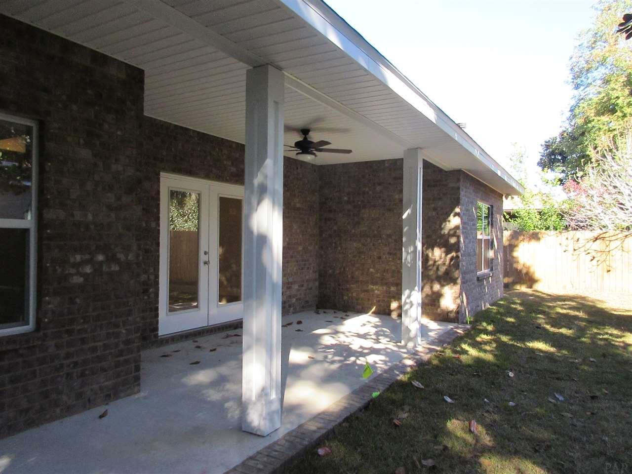 5469 Dallas Ct, Gulf Breeze, FL 32563