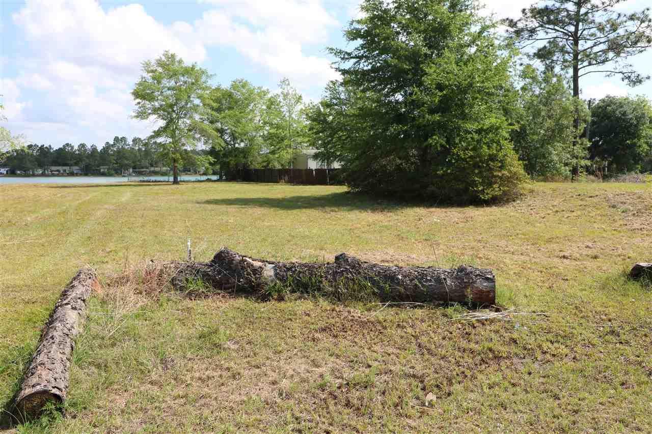 Twin Lake Dr, Milton, FL 32583
