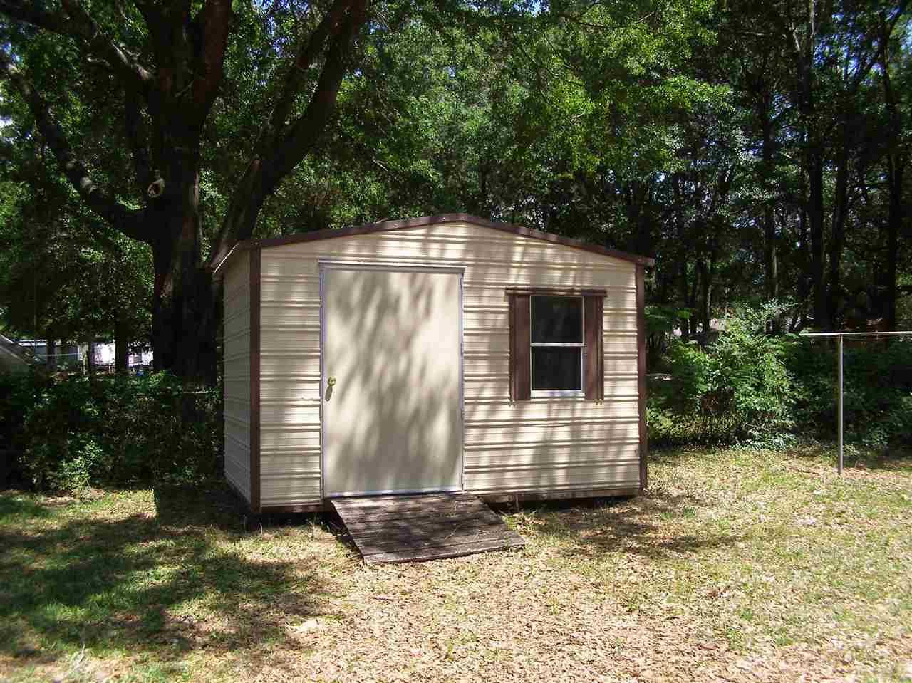 6495 Arlingwood Dr, Milton, FL 32570