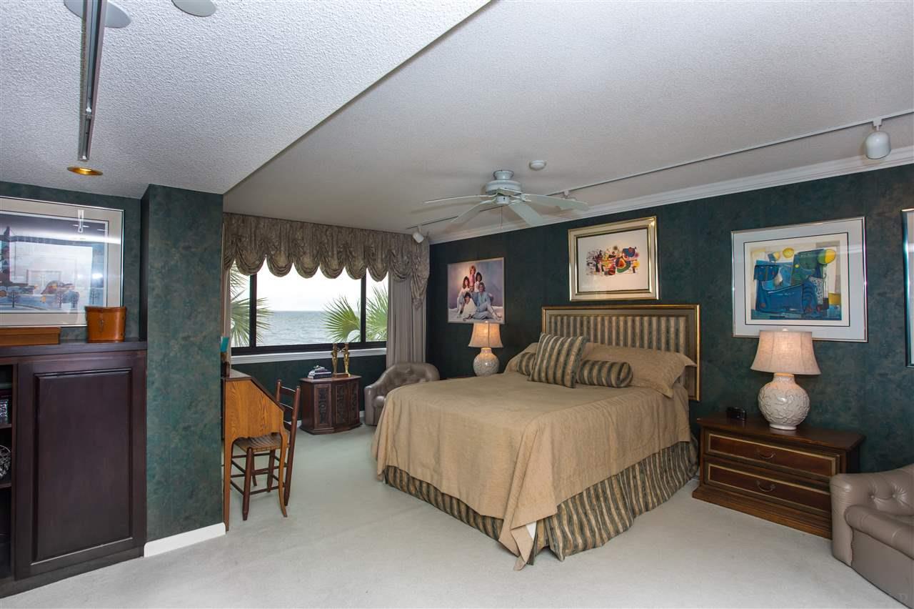 206 Port Royal Way, Pensacola, FL 32502