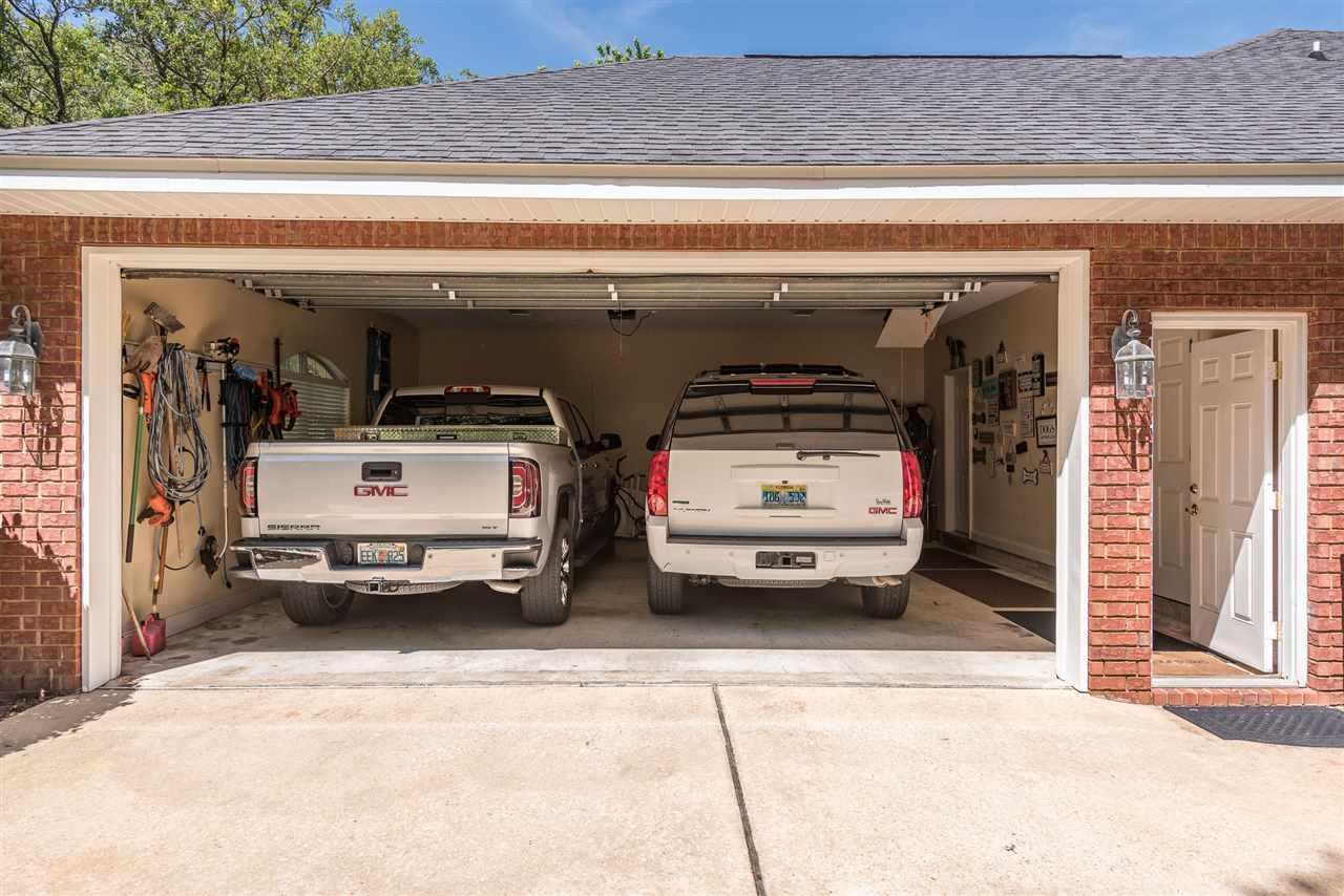 4426 Soundside Dr, Gulf Breeze, FL 32563