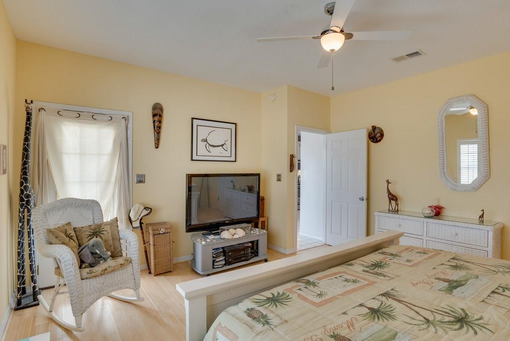 7623 White Sands Blvd, Navarre Beach, FL 32566