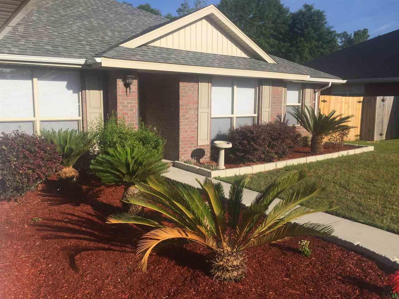 9739 Harlington St, Cantonment, FL 32533