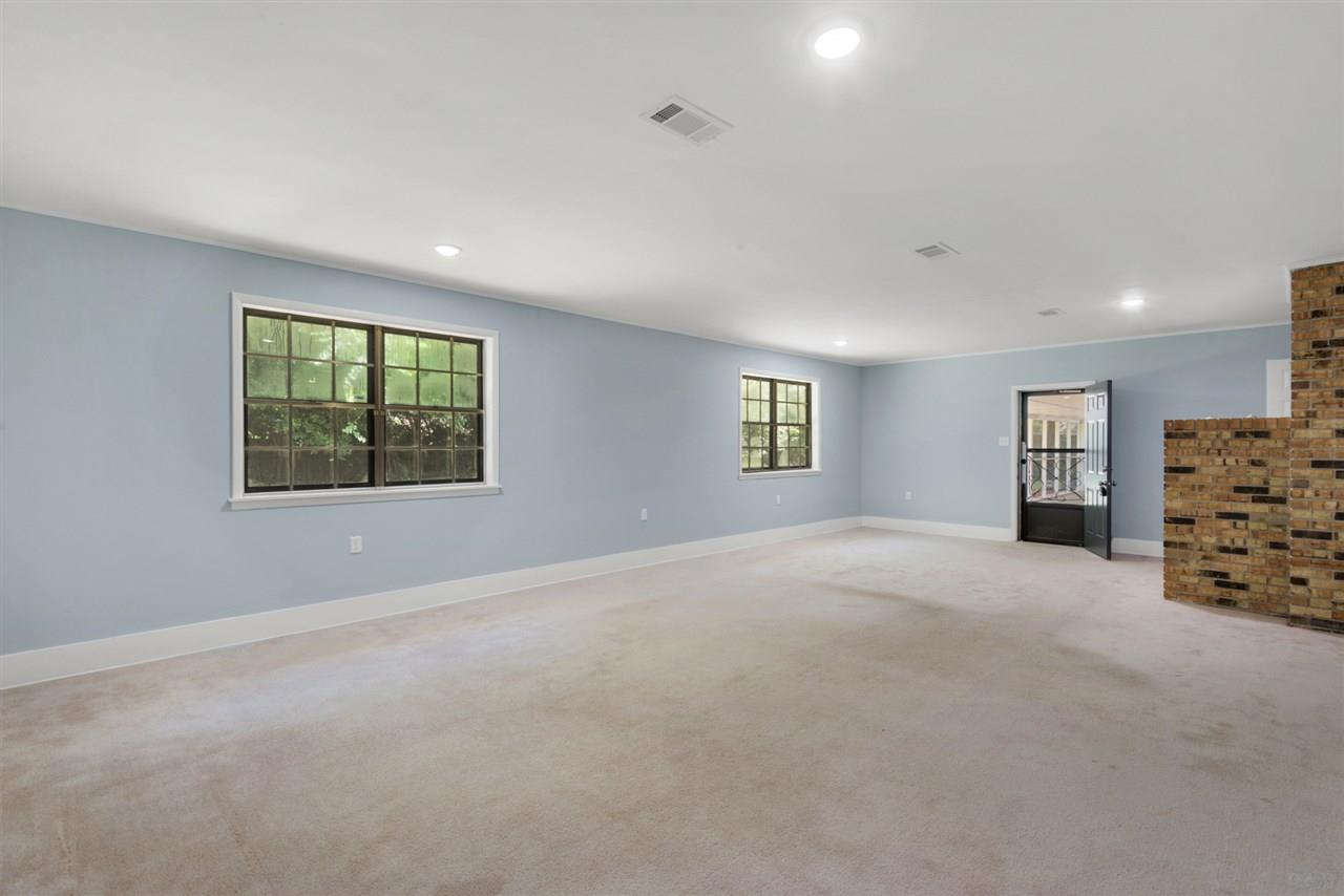 1650 E Hatton St, Pensacola, FL 32503