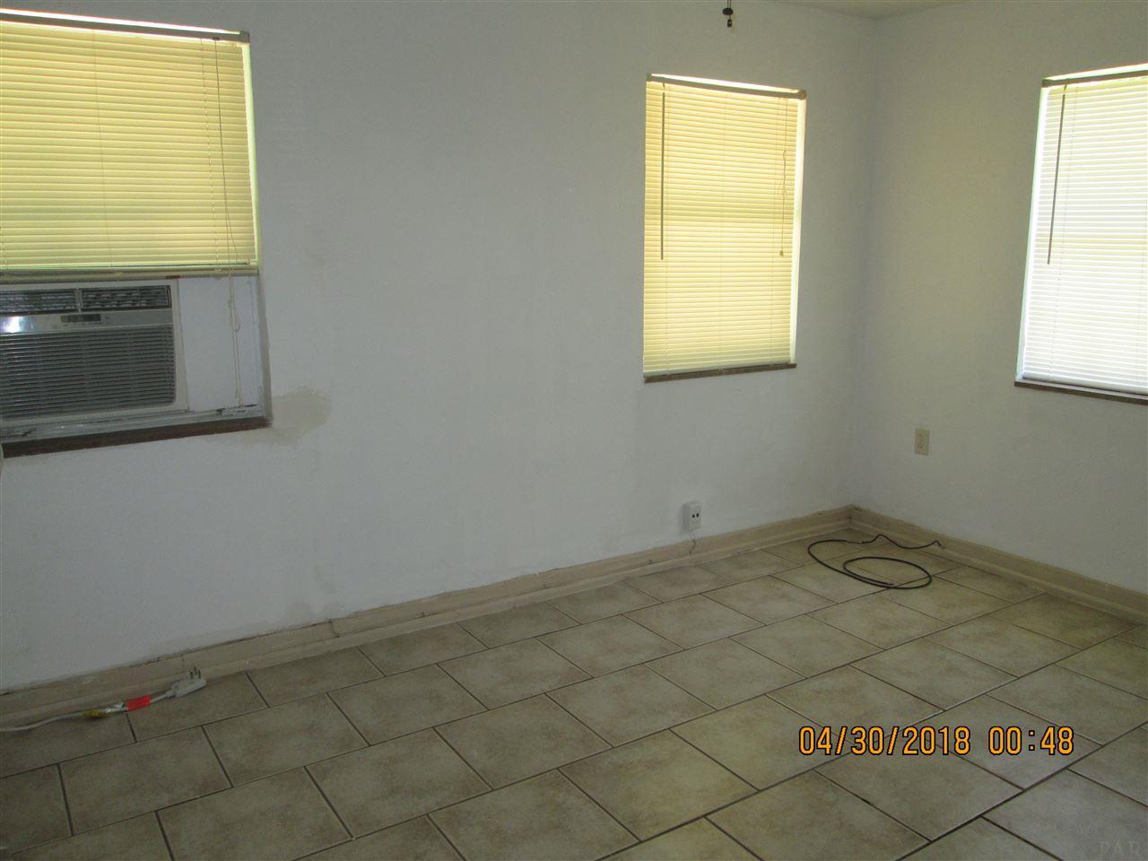 106 Jardine Rd, Pensacola, FL 32507