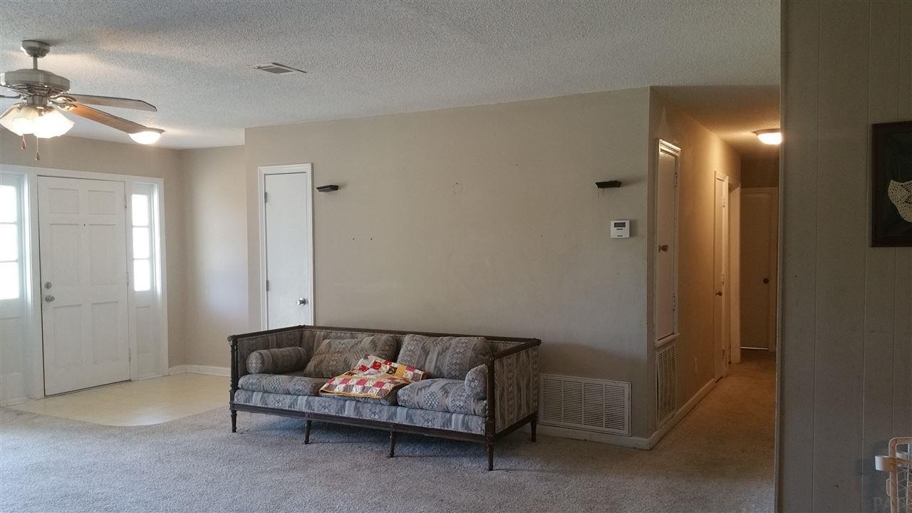 5804 Memphis Ave, Pensacola, FL 32526