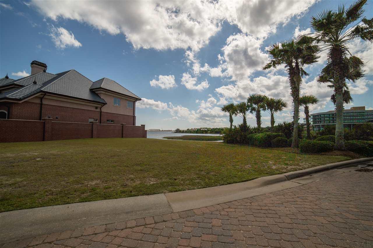 15 Wharf Ave, Pensacola, FL 32502