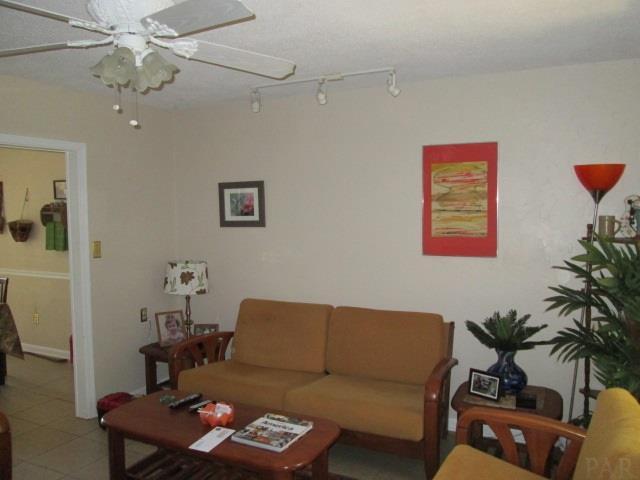 5610 Turkey Rd, Pensacola, FL 32526