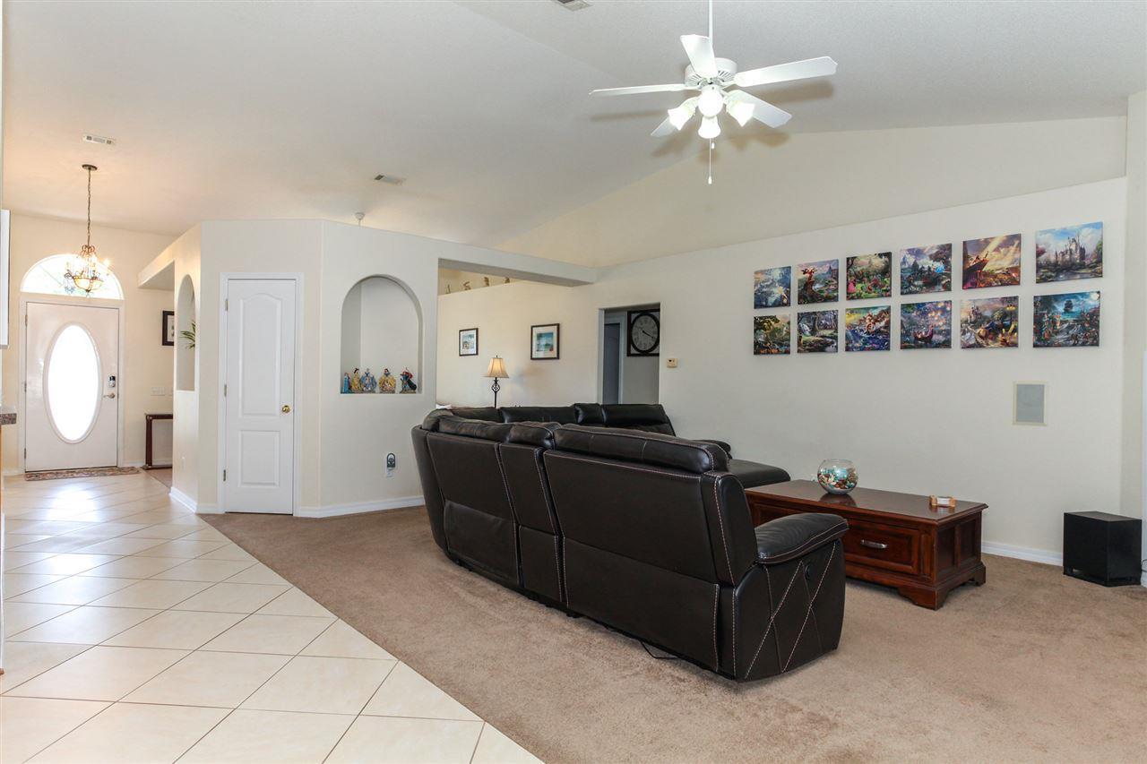 5466 Stafford Cir, Pace, FL 32571