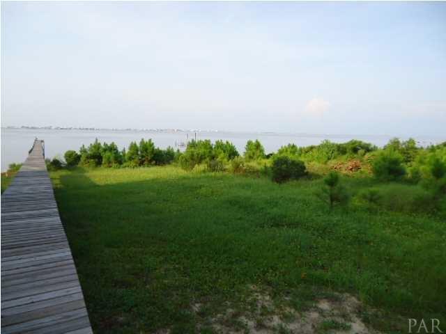 1775 Snapdragon, Navarre, FL 32566