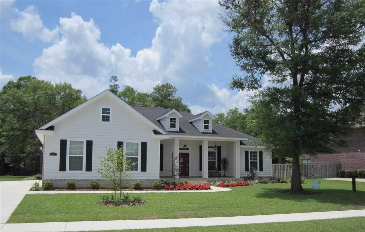 8720 Salt Grass Dr, Pensacola, FL 32526
