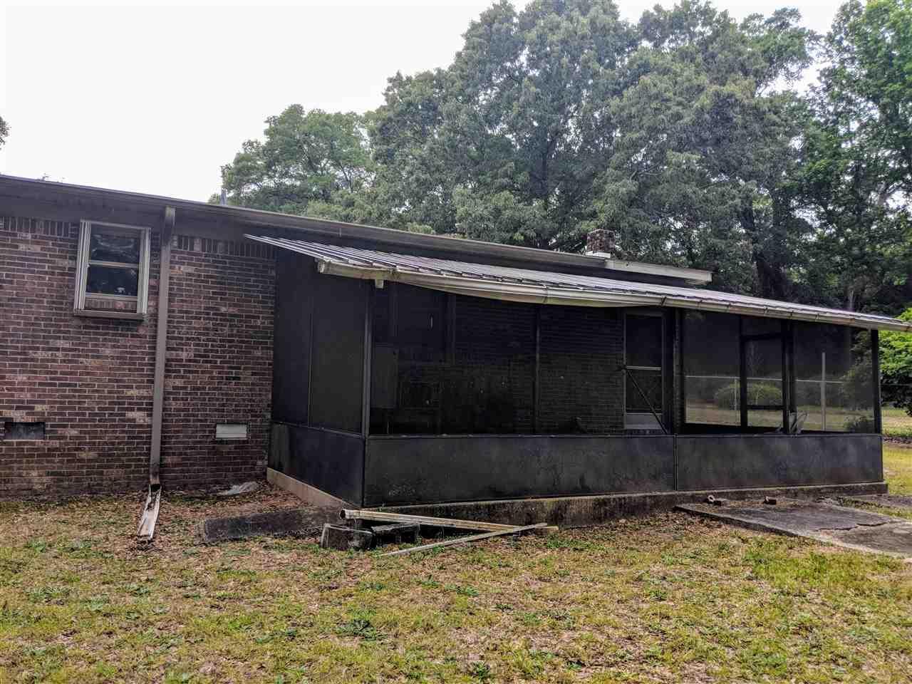 7130 N Blue Angel Pkwy, Pensacola, FL 32526