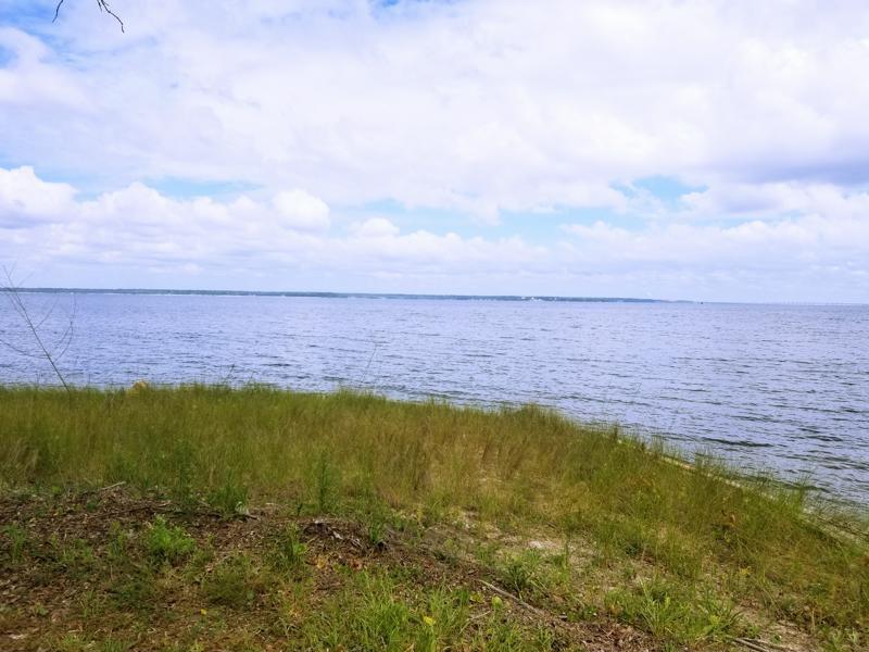 289 S Garcon Point Rd, Milton, FL 32571