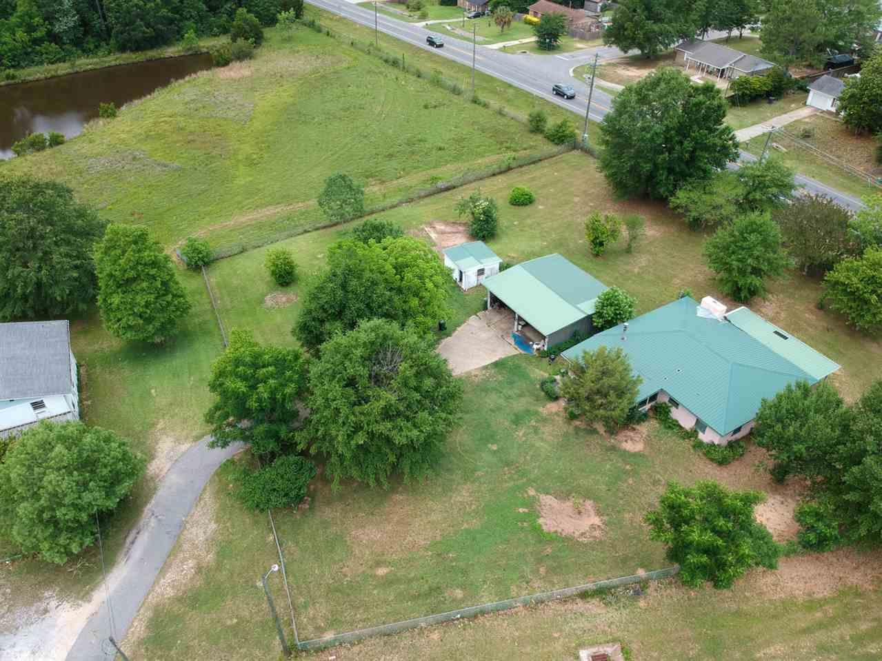 305 W Kingsfield Rd, Cantonment, FL 32533
