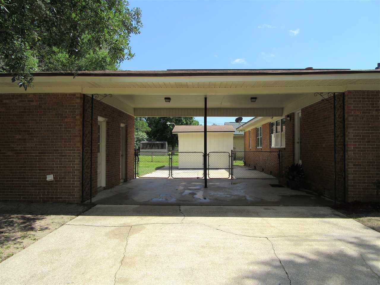 20 Campbellton Ln, Pensacola, FL 32506