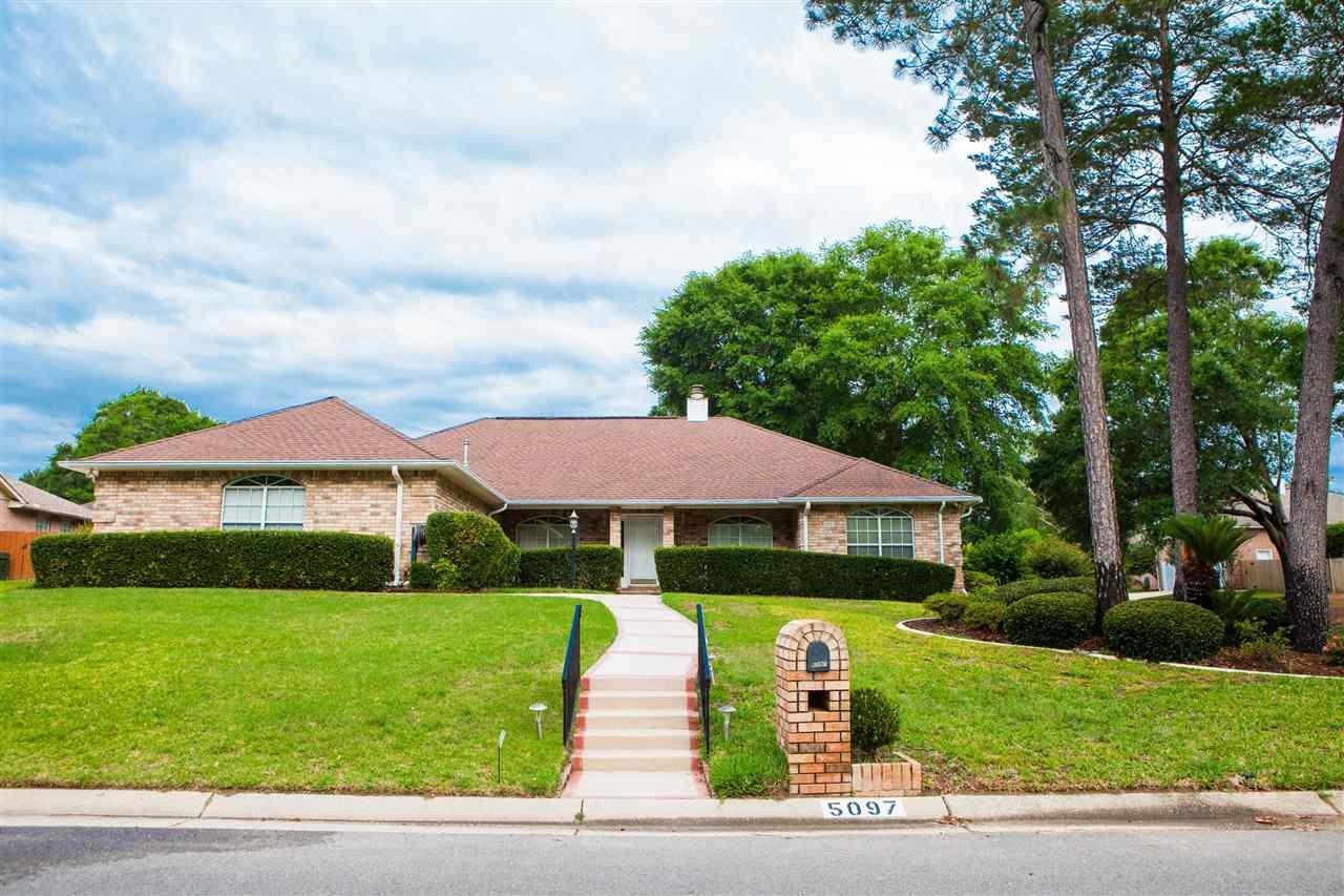 5097 Pine Hollow Dr, Pensacola, FL 32505