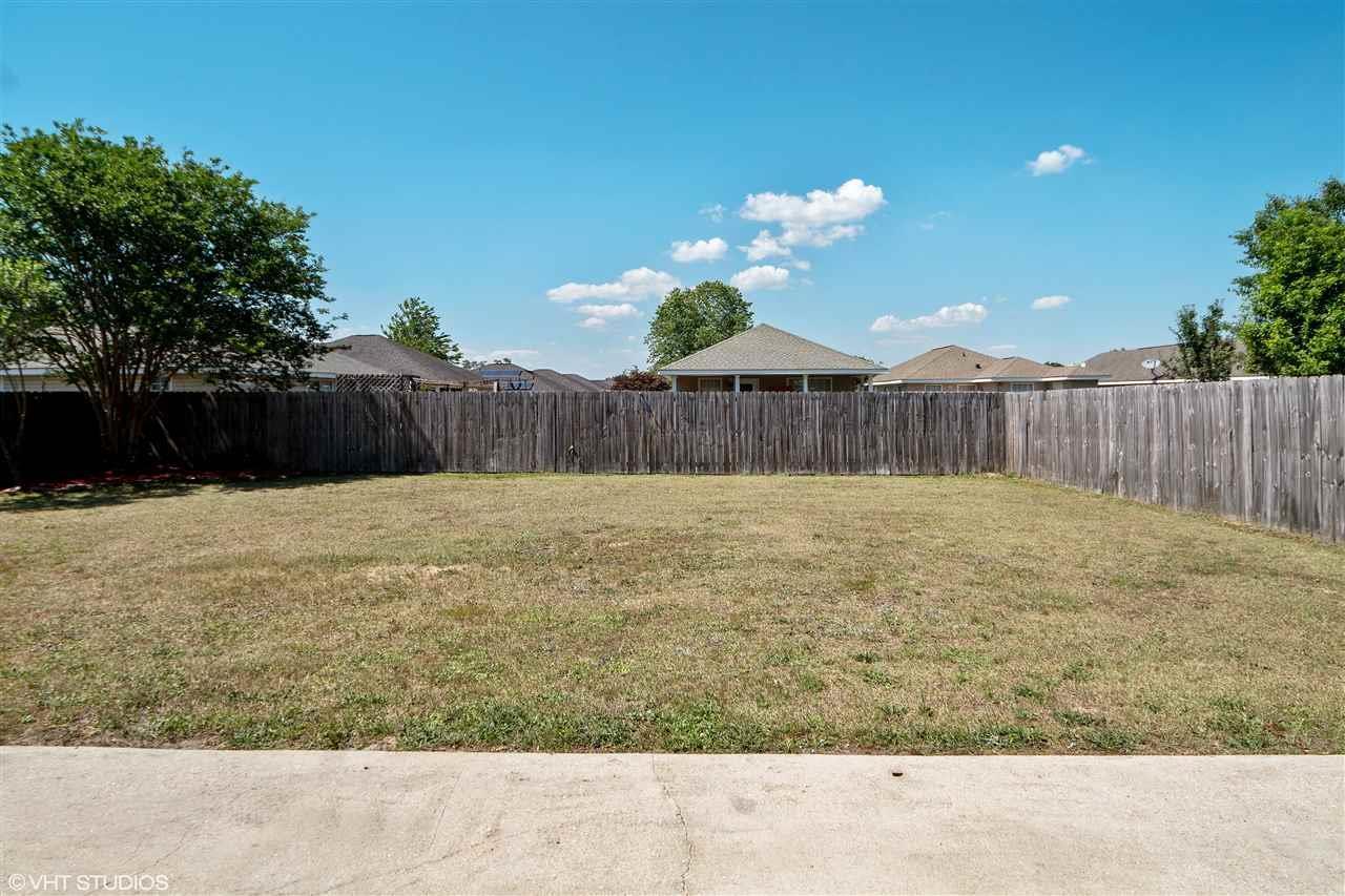 2322 Tall Oak Dr, Cantonment, FL 32533