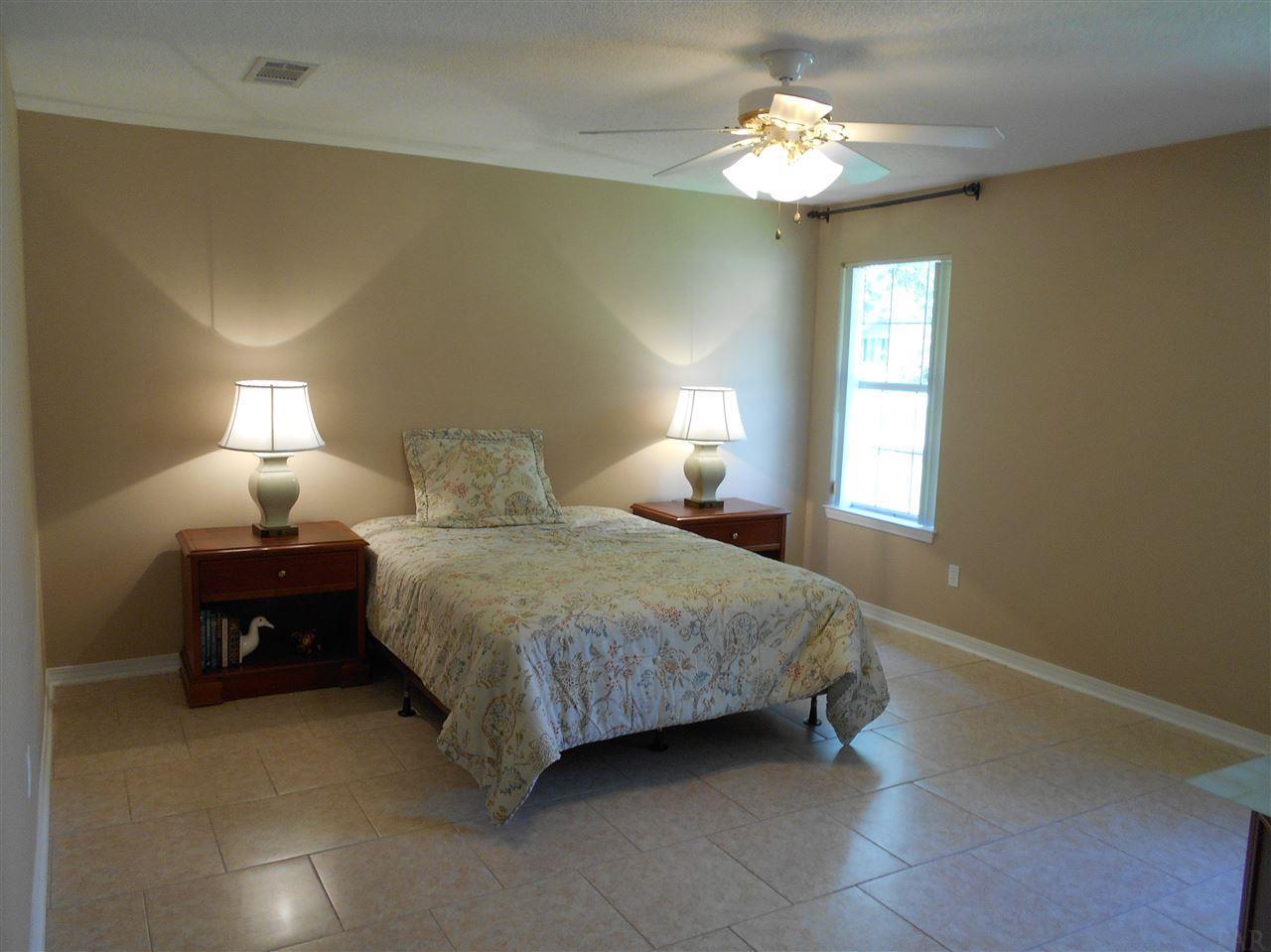 3365 Indian Hills Dr, Pace, FL 32571