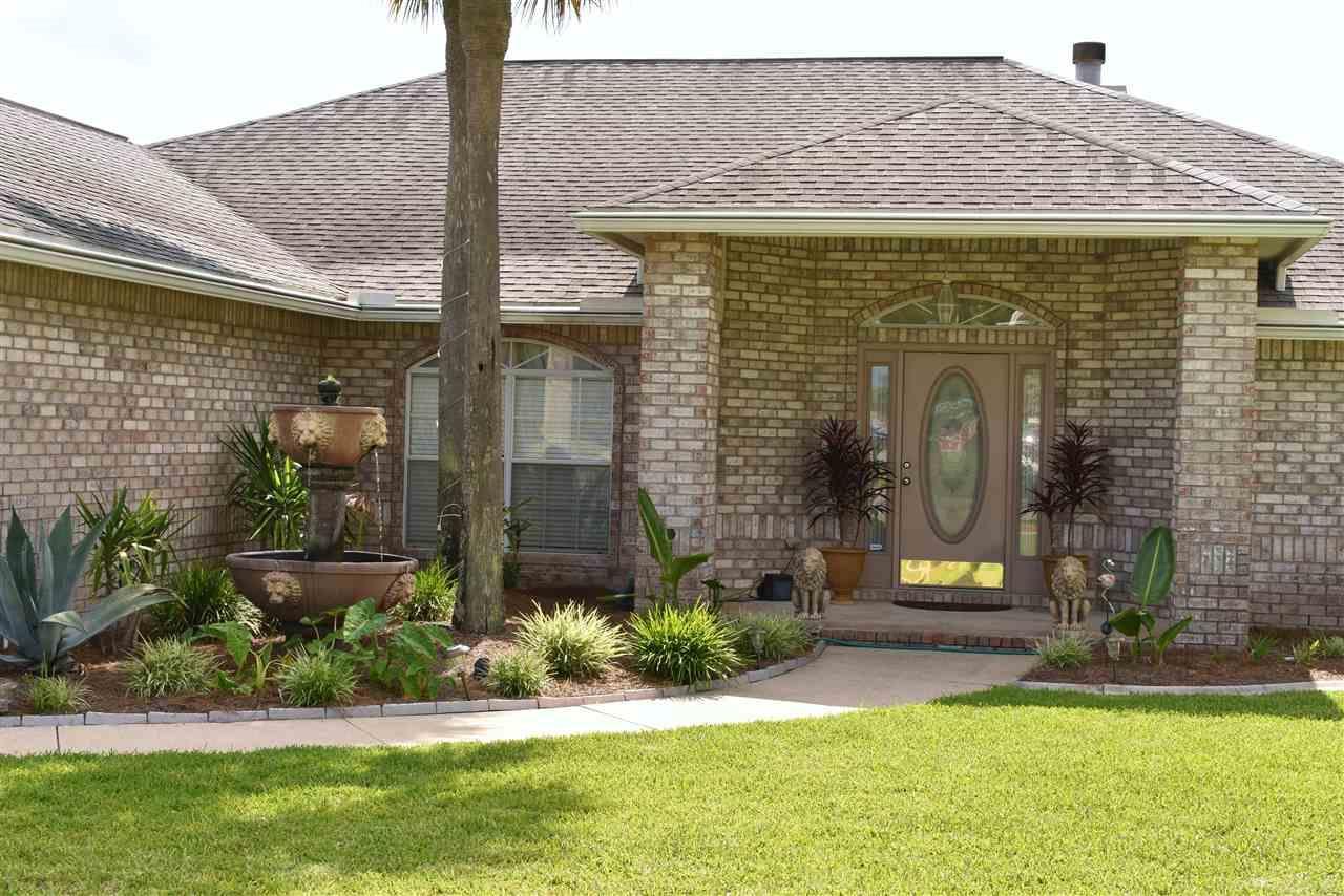 360 Palm Lake Dr, Pensacola, FL 32507