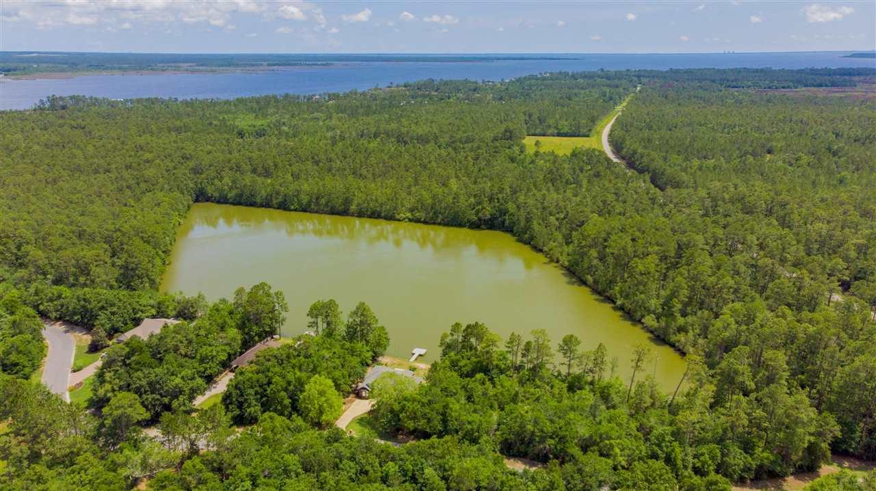 3920 Plantation Cove Ct, Milton, FL 32583