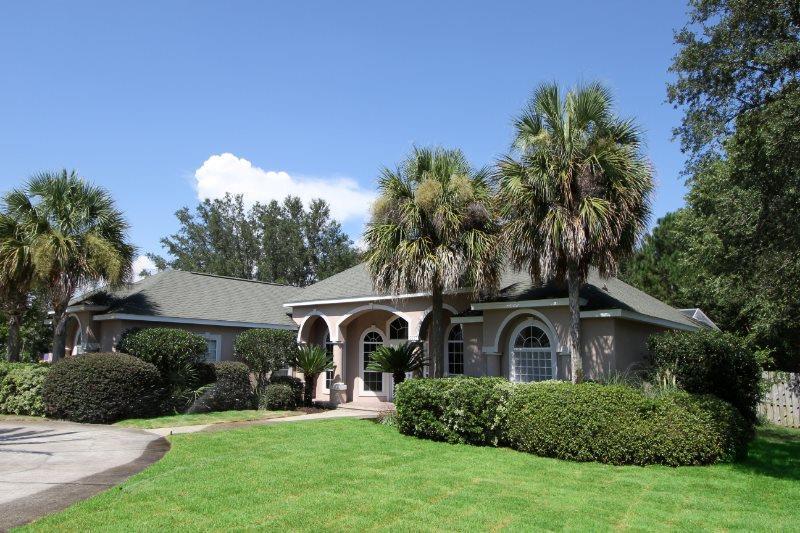 2557 Mary Fox Dr, Gulf Breeze, FL 32563