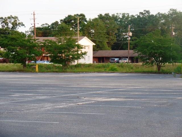 120 Lindberg Ave, Atmore, AL 36502