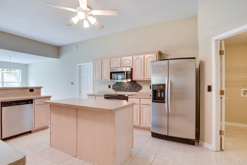 2356 Valley Rd, Navarre, FL 32566