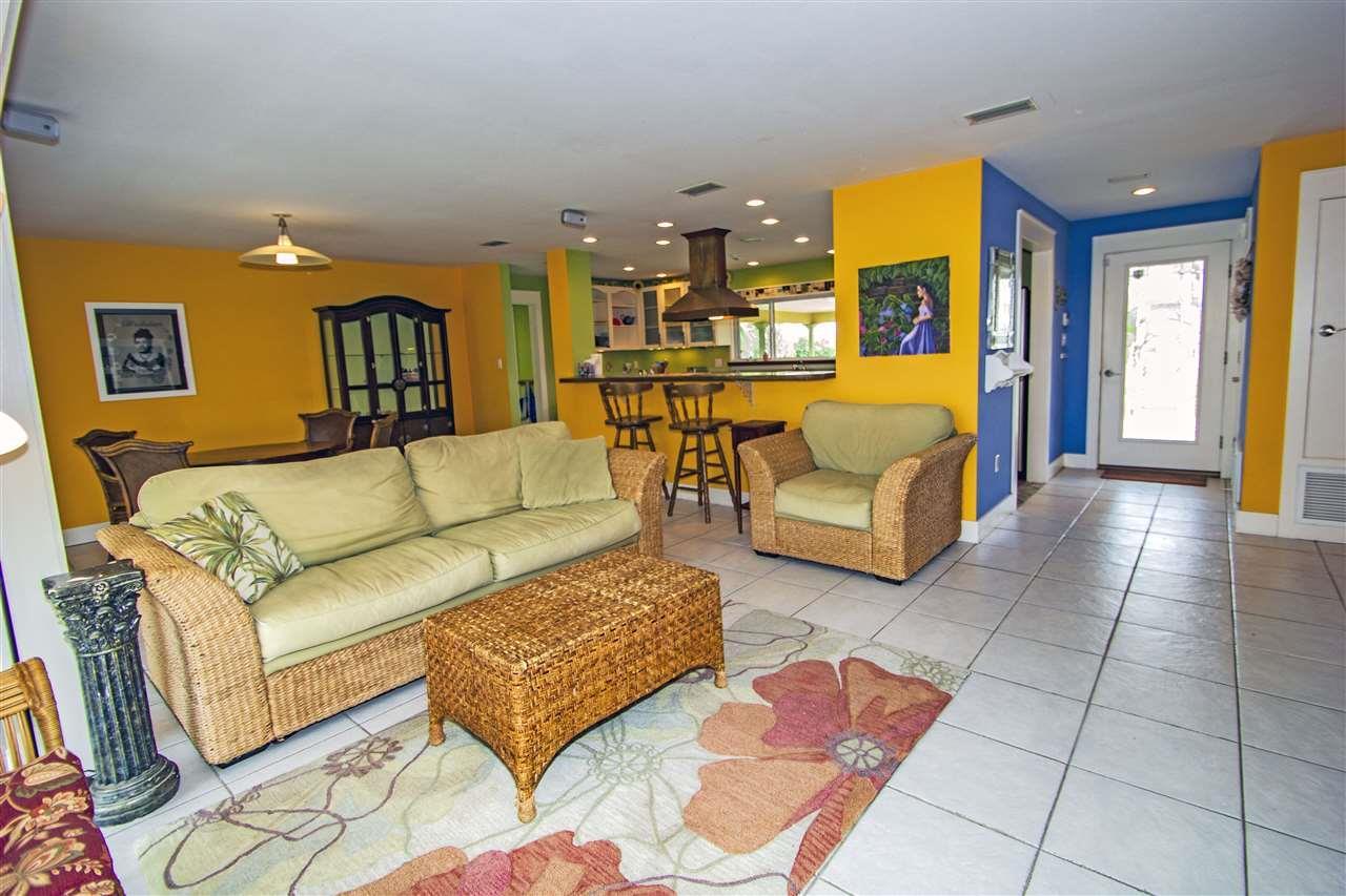 3369 Laurel Dr, Gulf Breeze, FL 32563