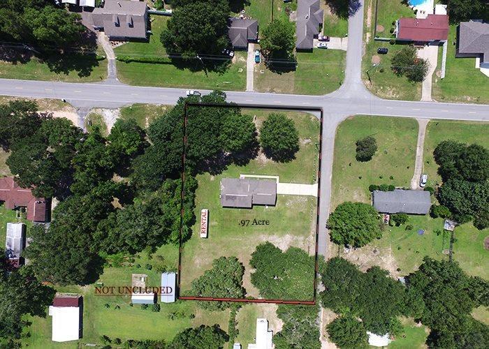 4162 Bell Ln, Pace, FL 32571