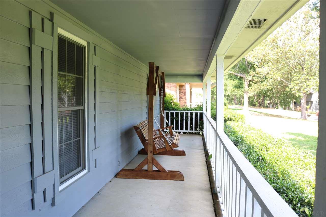 731 Crooked Oak Dr, Pensacola, FL 32514