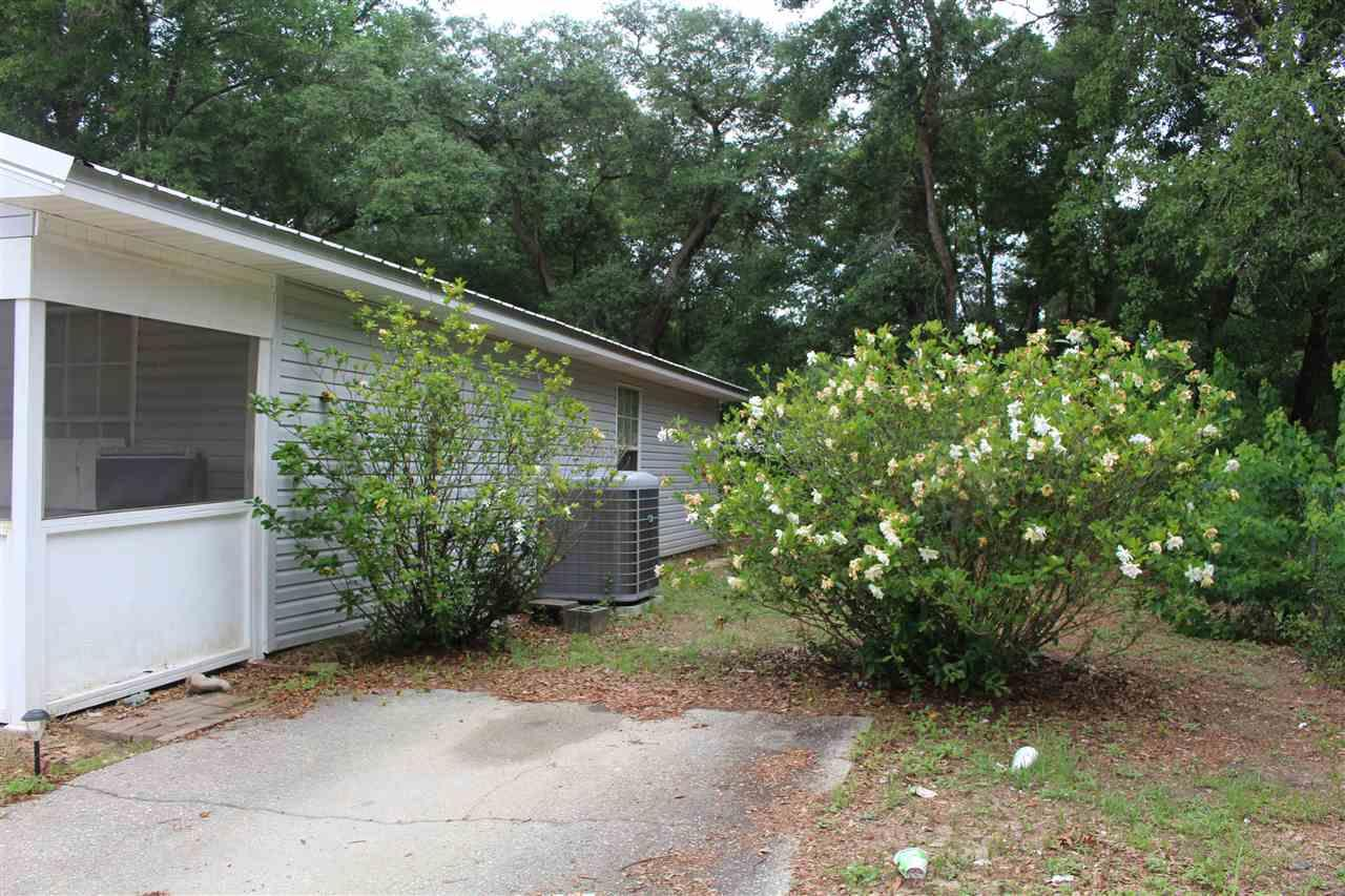 6519 Colonial Dr, Milton, FL 32570