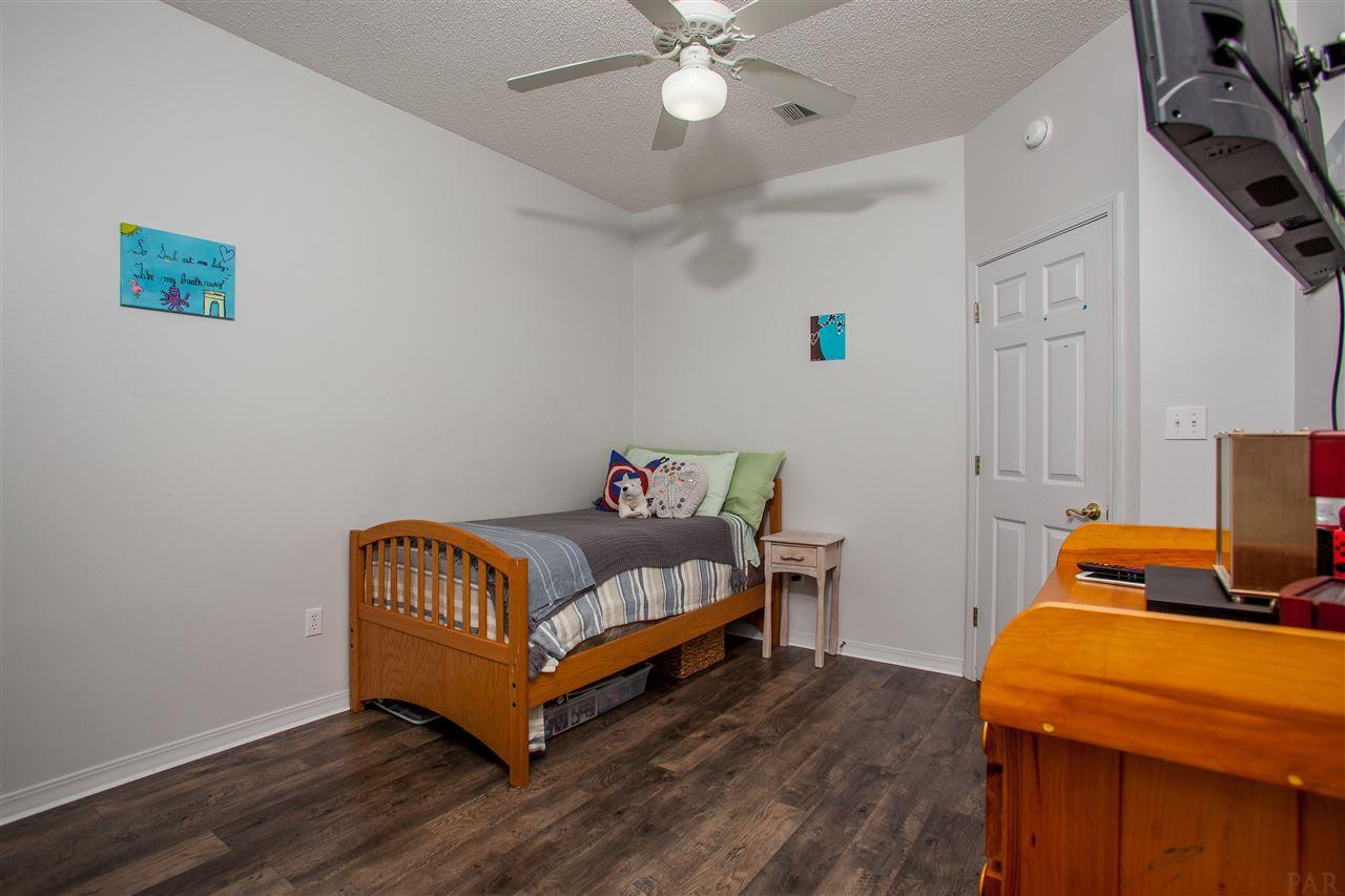 2160 Windham Dr, Molino, FL 32577