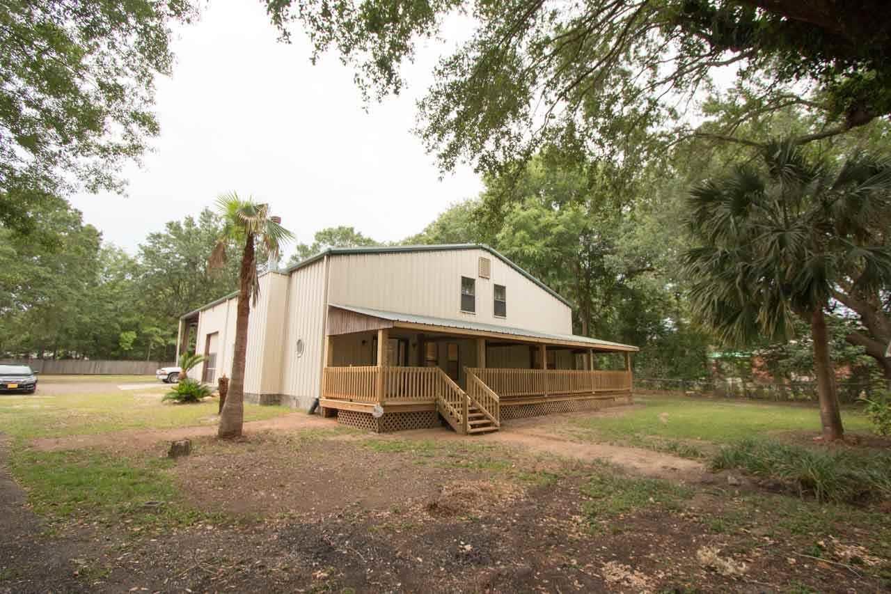 9977 Chemstrand Rd, Pensacola, FL 32514